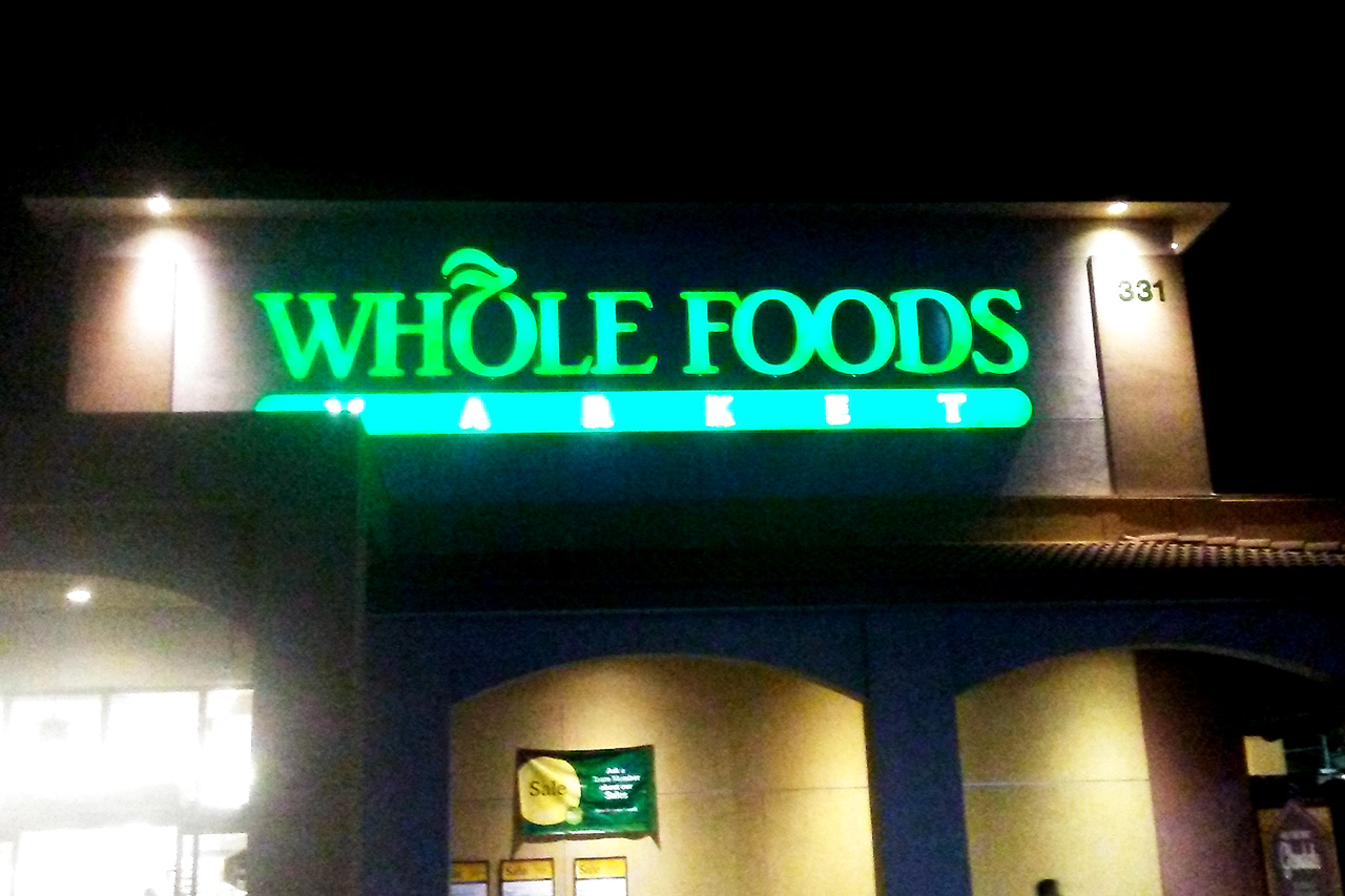 Whole-Foods_outside_2